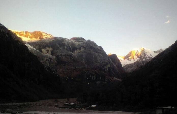 Trek To Makalu Base Camp trek