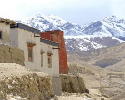 Monastery mustang trek