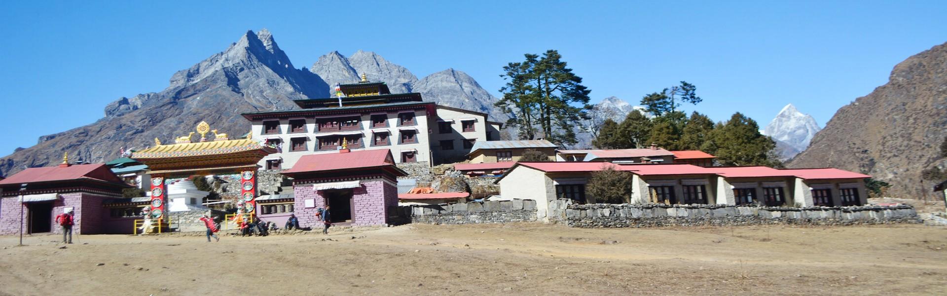 Everest Chola Pass Trek Blog