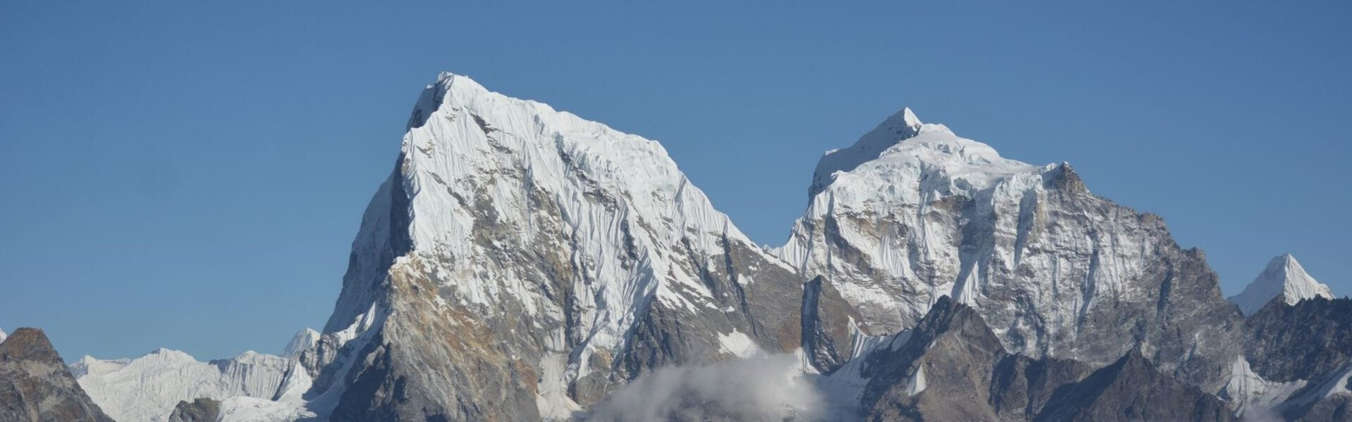 Which is the best months to trek in Nepal