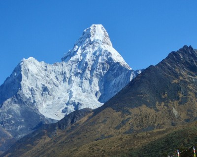 Mt.Nupche(one the way Everest Base camp)